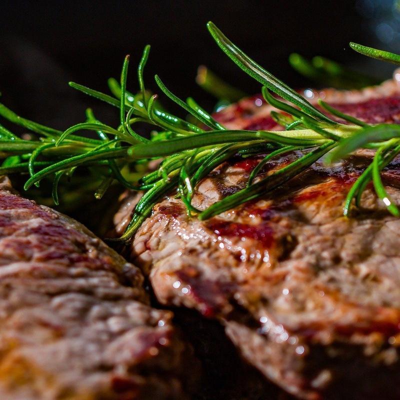 Carne a nuestra brasa de encina: Carta de Restaurante Abuxarra