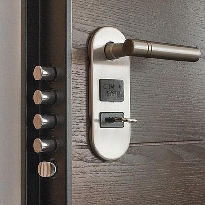 ¿Por qué conviene cambiar la cerradura al mudarte de casa?