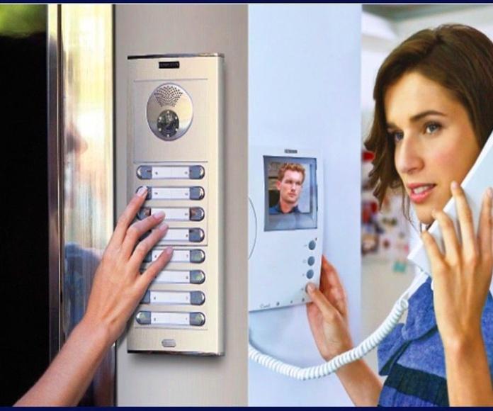 Interfonos y videoporteros: Productos y servicios de SerTronic Proyectos e Instalaciones