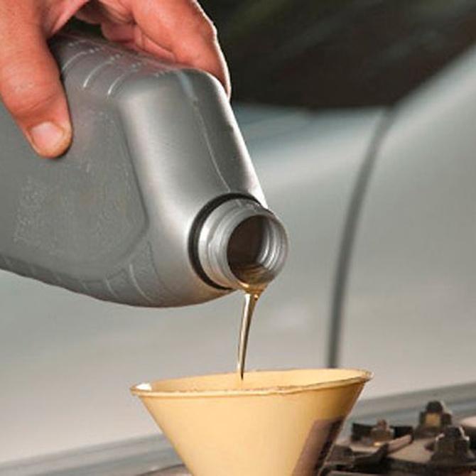 Clases de aceite para coches y su importancia