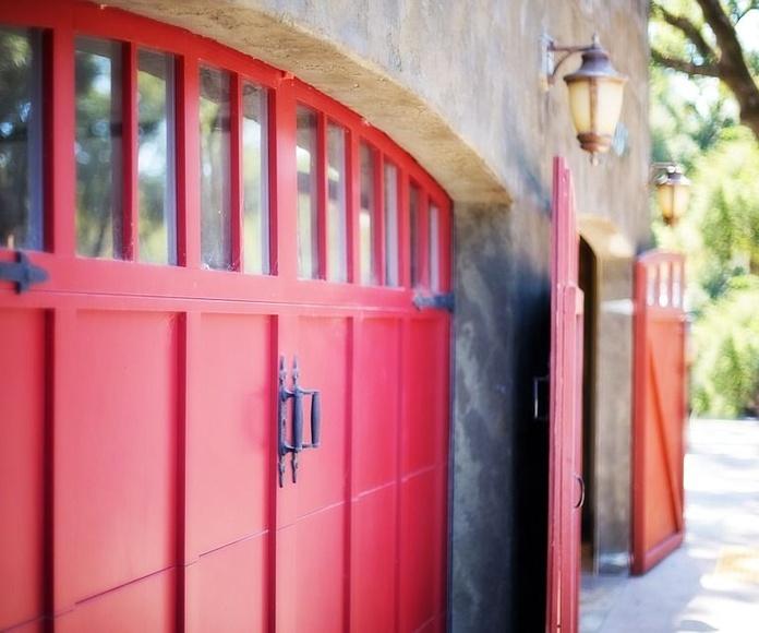 Puertas de calle: Servicios de THICORCA