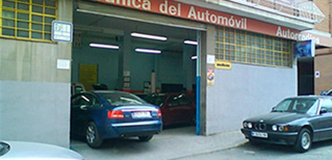 Recarga de aire acondicionado de coche en Carabanchel, Madrid