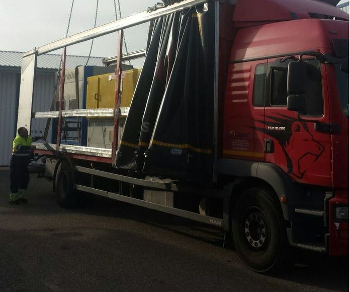 Especialidades: Servicios de Transportes López
