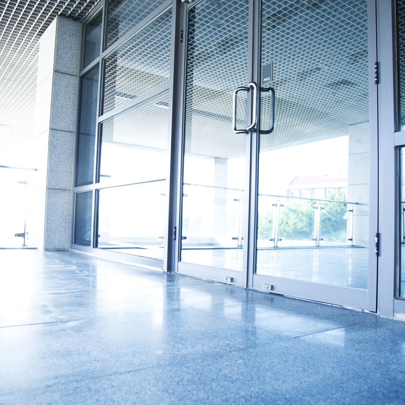Puertas de aluminio:  de Cocinas y Baños 5 Estrellas