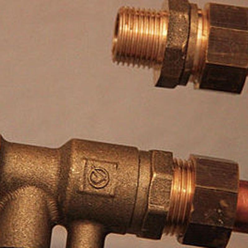 Accesorios de fontanería: Productos y Servicios de Suministros Pineda - Almacén de Fontanería