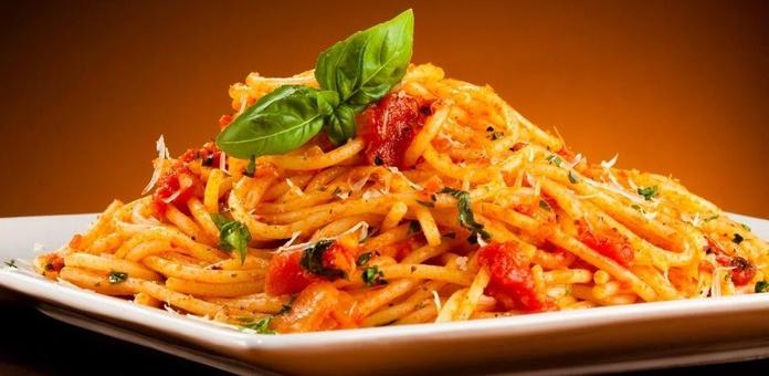 Espaguetis Napolitana: CARTA EL SEVILLANO de Restaurante Rincón del Sevillano