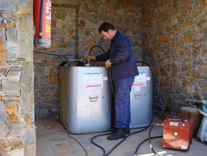 Limpieza depósitos domésticos de gasoil.: Servicios de limpieza de Limpiadora del Valles de 1965, S.C.P.