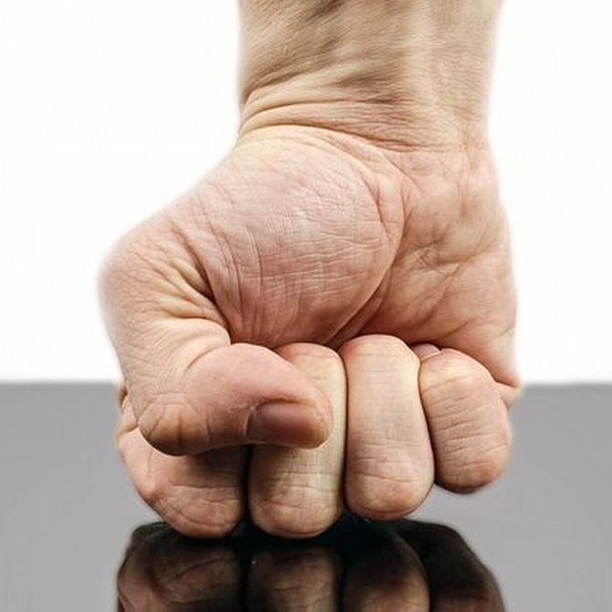 ¿Cómo denunciar a alguien por agresiones o amenazas?