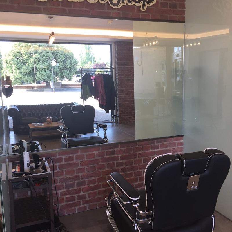 Rehabilitación de local comercial a peluquería 85 m2 (donde Mariano): Reformas y proyectos de obra de Obras y Promociones De Sande, S.L.