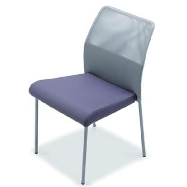 Fram en malla gris y asiento en color violeta