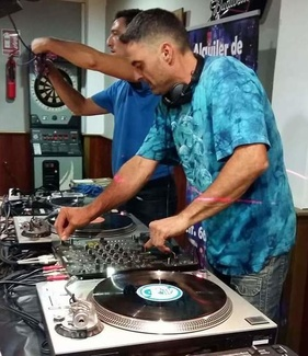Servicio de DJ para todo tipo de eventos Málaga