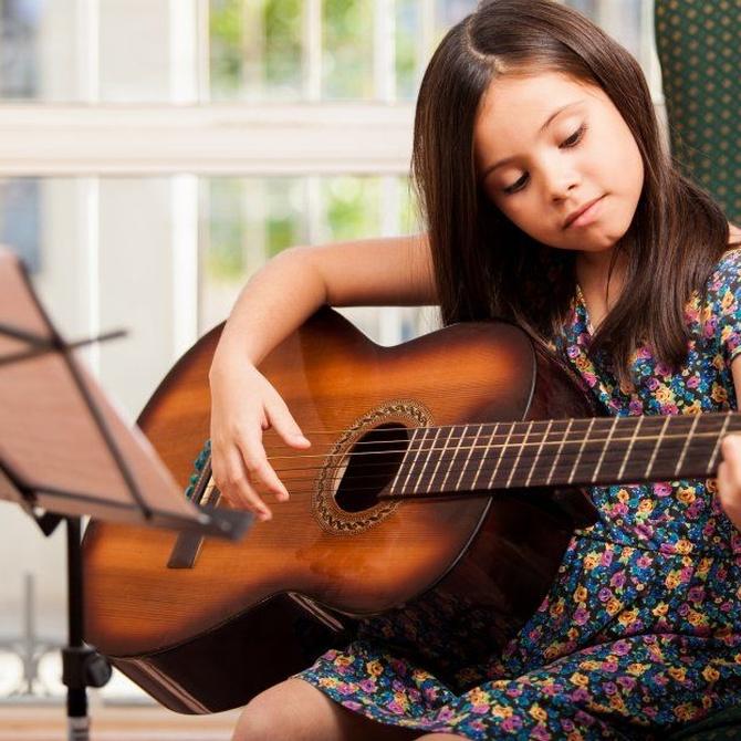 Cómo usar la cejilla en la guitarra