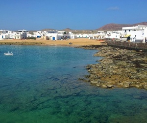 Wide schedules to travel to La Graciosa