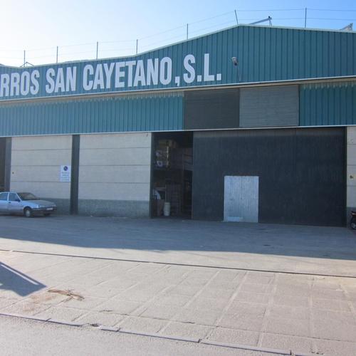 Almacén de hierros en Cádiz