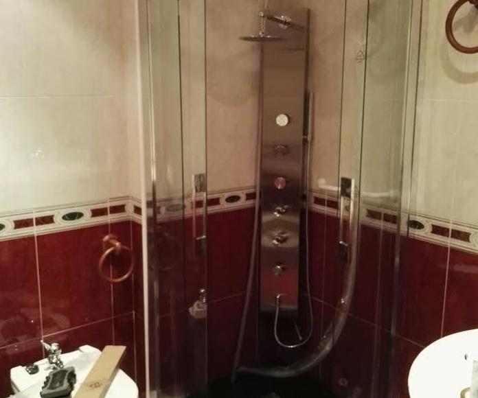 Cambio de bañera por plato de ducha: Cocinas y baños de F. Alba, cocinas y baños