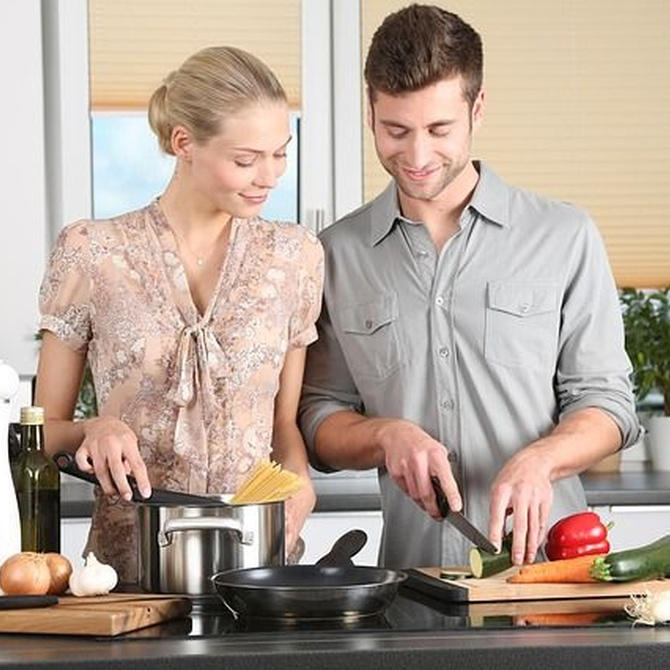Cómo eliminar la grasa de los muebles de cocina