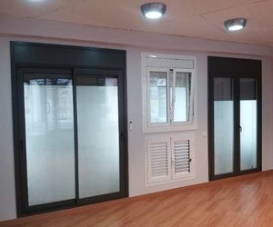 Puertas de alumimio y PVC