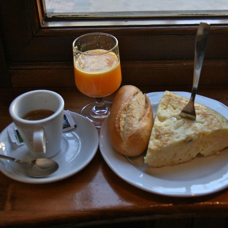 Almuerzos: Especialidades de Café Bar Restaurante El Remolino