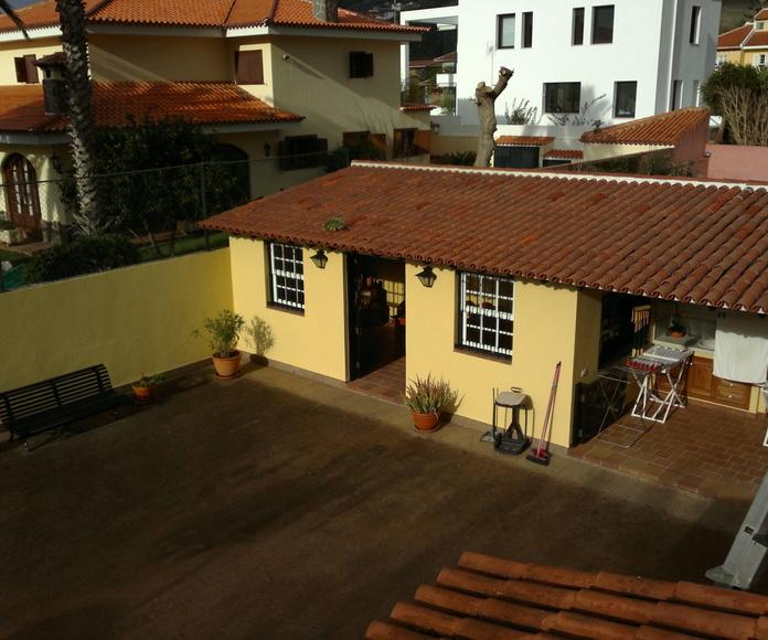 Trabajos de pintura y barniz en vivienda en Santa Cruz de Tenerife