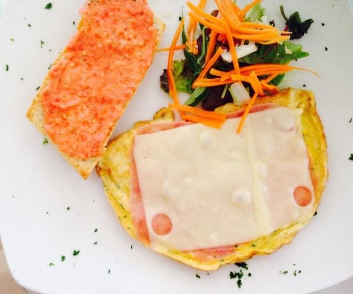 "Desayuno ""Combo"": Carta de Buena Onda Ibiza"