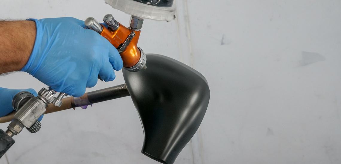 Taller de chapa y pintura en Mejorada del Campo: pistola para pintar vehículos