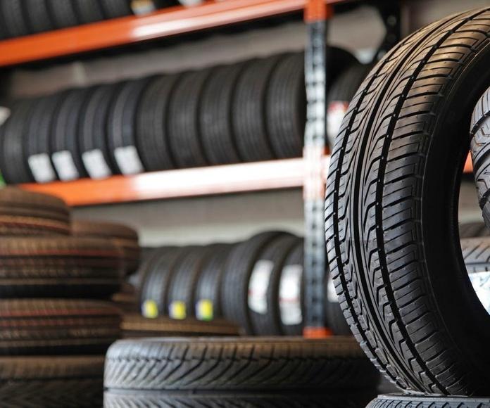 Neumáticos: Servicios de Max Auto