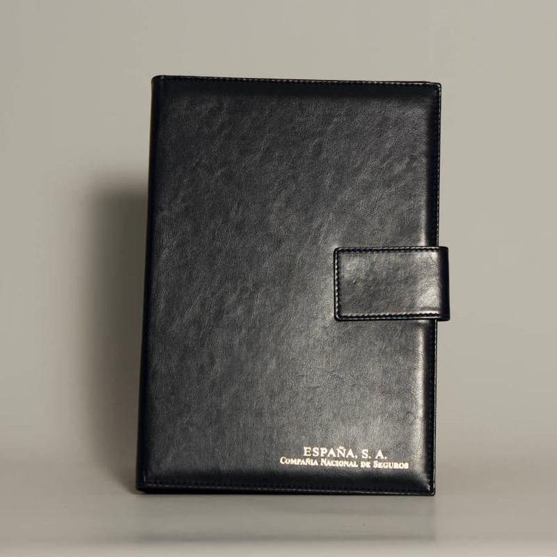 Portafolios PF-01616: Catálogo de M.G. Piel