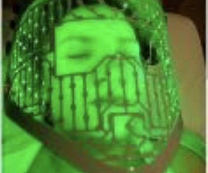 Limpieza facial mascara led: Servicios de Estética Sandra Jiménez
