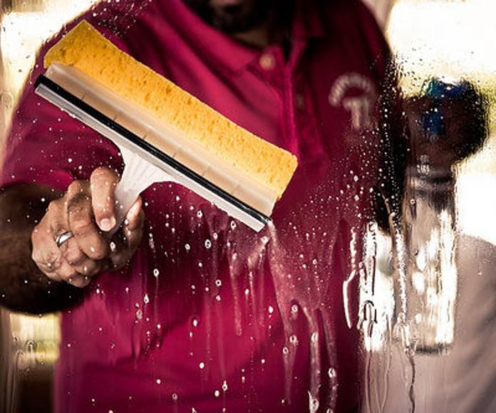 Limpieza de comunidades: Servicios de Limpiezas Cristina Mateo