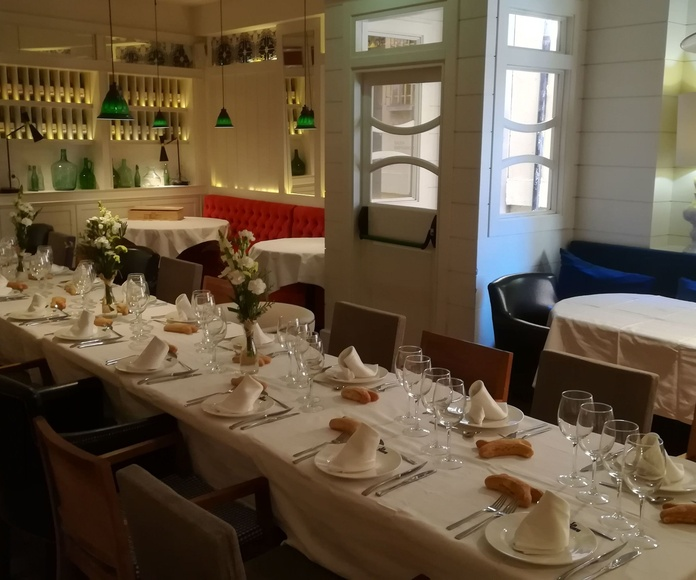 Celebracion de comuniones en la mary Leon