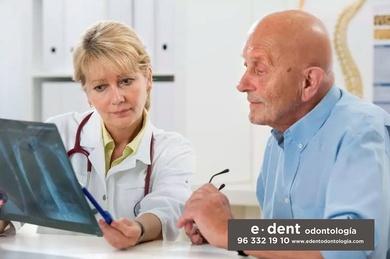 Acudir a tu clínica dental te puede aliviar el dolor de espalda