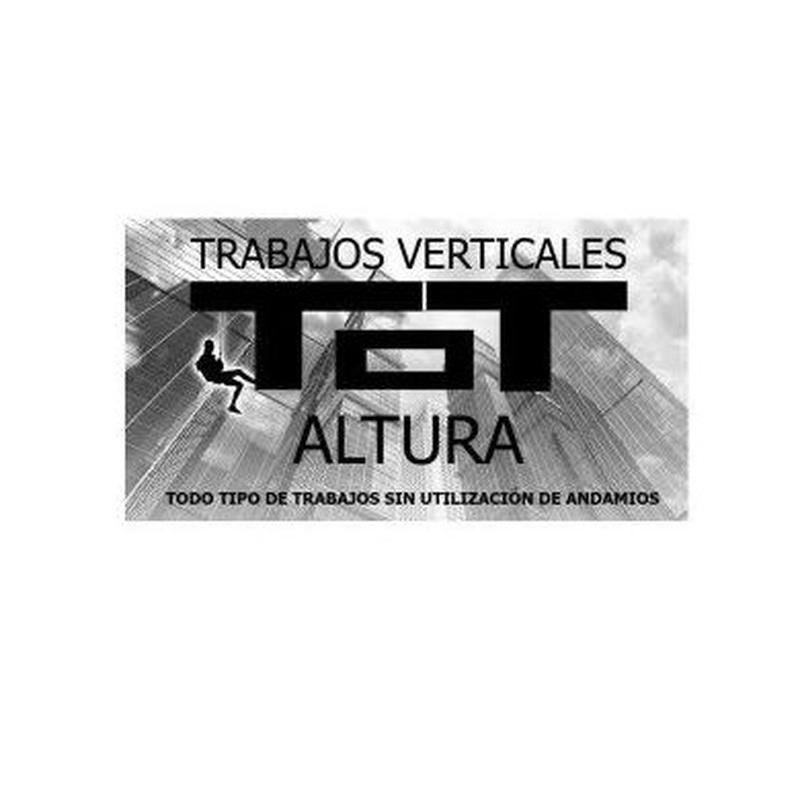 Nuestros servicios: Trabajos verticales  de Verticales Totaltura S.L.U.
