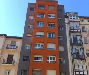 Sistema de aislamiento térmico Thermocal de fachadas Torrelavega-Santander.