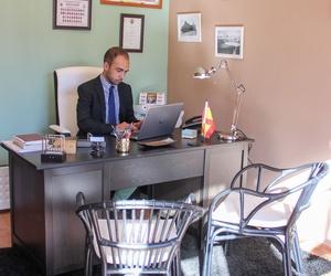 Despacho con Jesus Saz trabajando