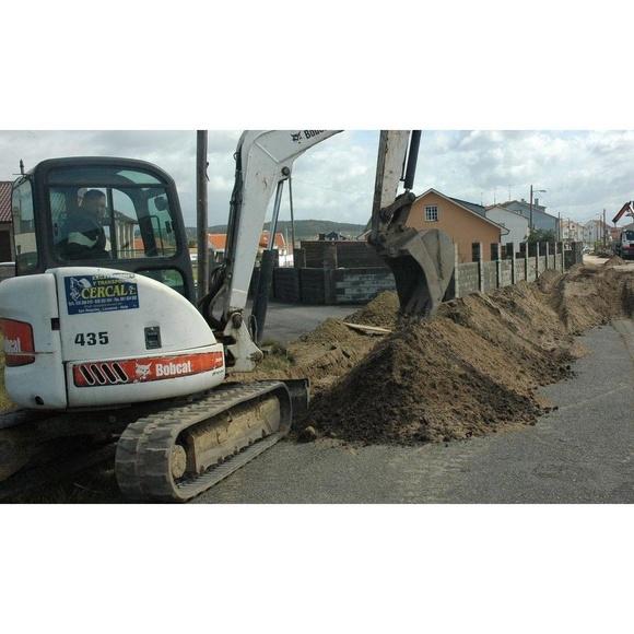 Transportes Movimientos de tierras : Productos y Servicios  de Excavaciones Y Transportes Losada, S.L.