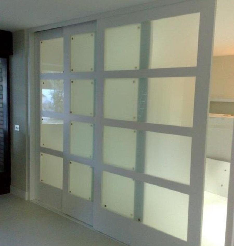 Elegir entre dos o tres puertas para nuestro armario