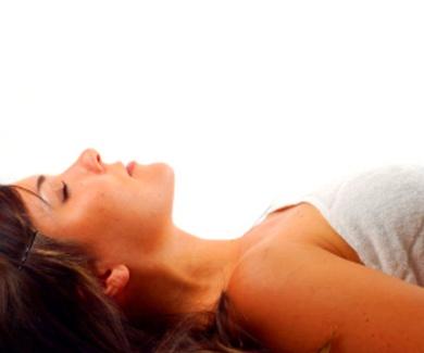 Recibir un masaje: soltar la mente, el cuerpo y abandonar el control. Respirar y estar presente.