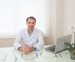 Dr. Ernesto Rodríguez