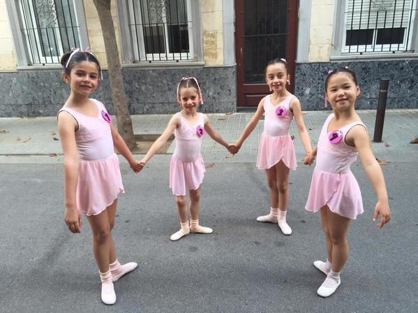 Dansa clàssica -Pre-Primary i Primary : Catálogo de Escola de Dansa Spin