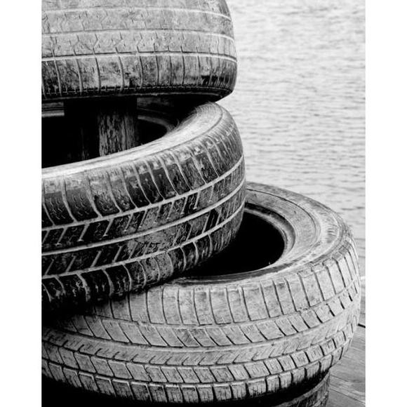 Neumáticos : Productos y servicios de CENTRAL Recambios Del Olmo