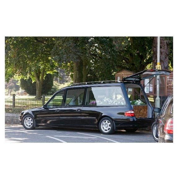 Traslados funerarios: Servicios de FUNERARIA IPARRAGUIRRE