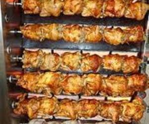 Pollos en el asador