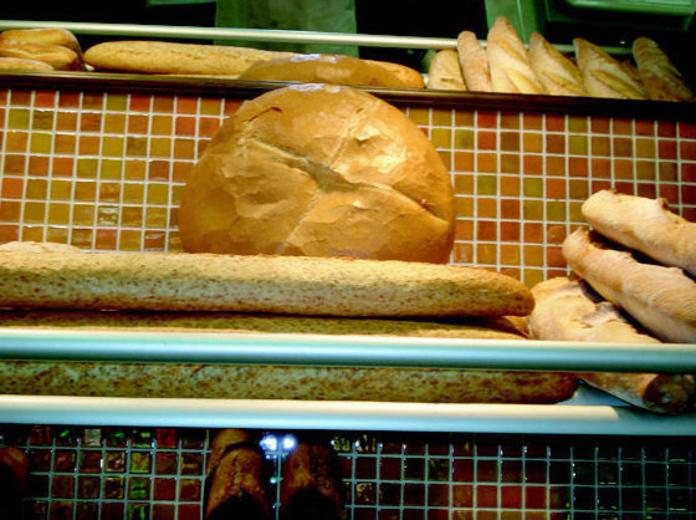 Pan recién hecho: Catálogo de Panadería Pastelería Aller