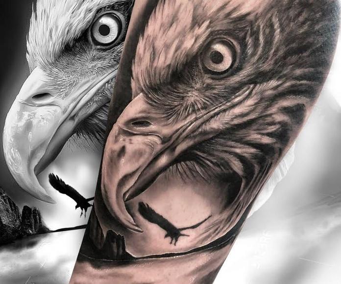 Azumi: Tatuajes y piercing de Fabric Tattoo Ibiza