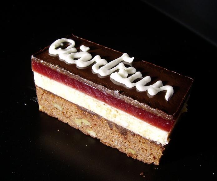 Trángulo de chocolate: Catálogo de Pastelería Oiartzun