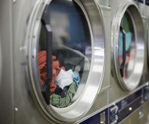 Maquinaria industrial para lavanderías en Sevilla