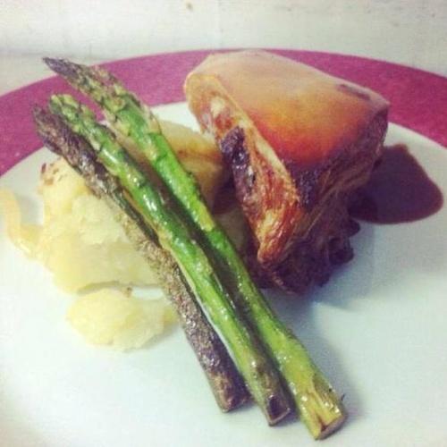 Restaurante con cocina regional e internacional