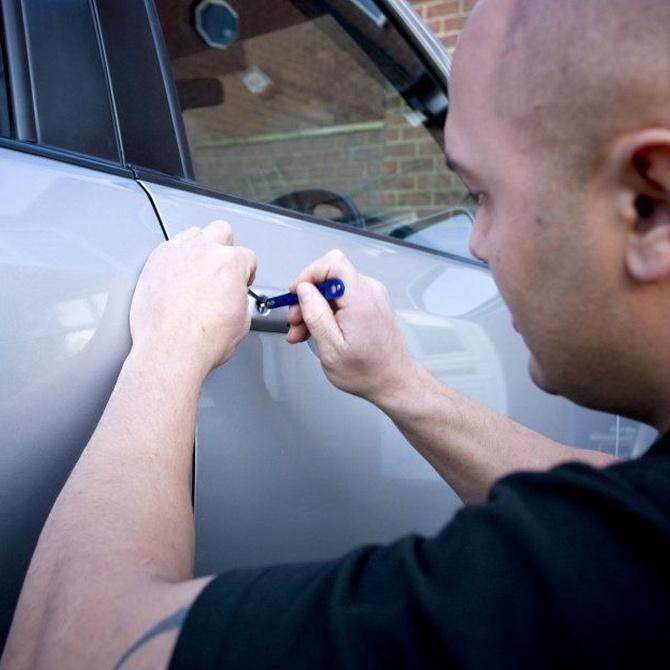 ¿Cómo abrir tu coche sin las llaves?