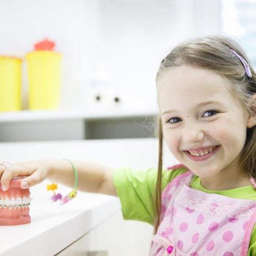 Dentista para niños en Palau-solità i Plegamans