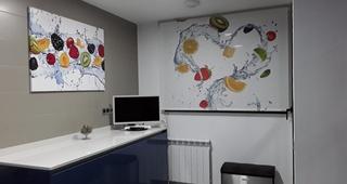 Estor enrollable digital cocina.